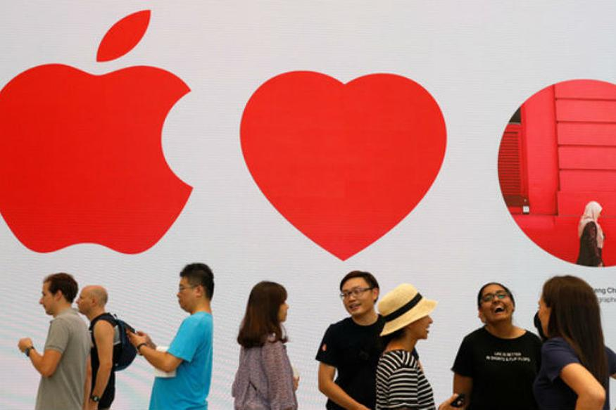 Apple Opens its First Southeast Asia Store in Singapore