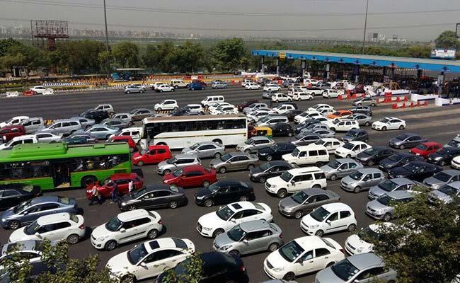 Booze Bottles Thrown Off Truck Turn Delhi's DND Flyover Into 'High' Way
