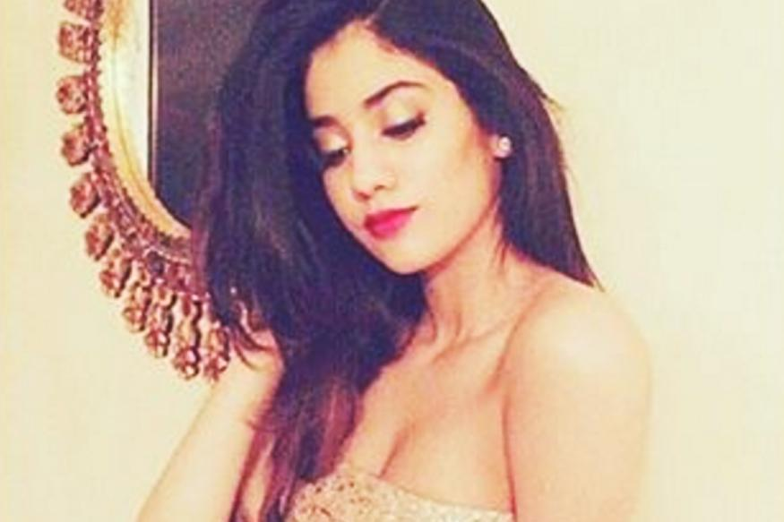 Sridevi's Daughter Jhanvi Kapoor Is Killing It In This Boomerang Video