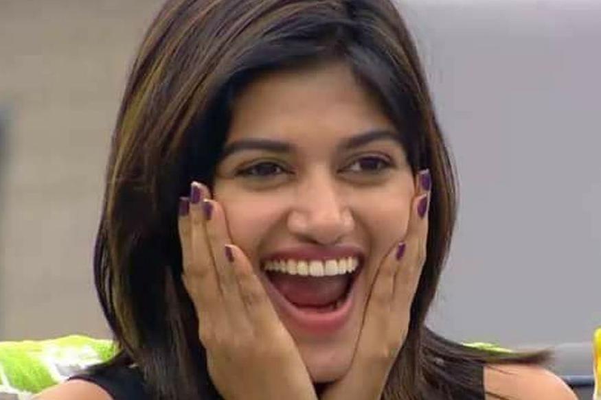 Bigg Boss Tamil: Did You See Oviya's New Look?