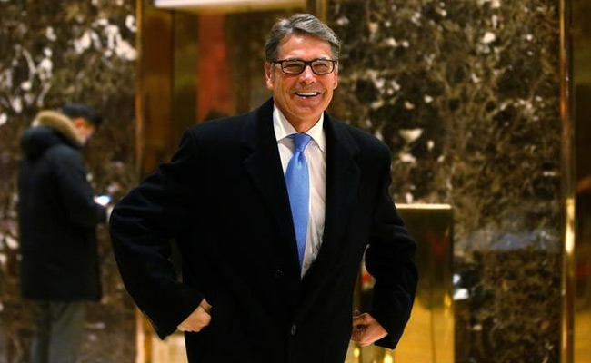 Rick Perry Thought He Was Talking To A World Leader About Pig Manure. It Was A Prank Call.