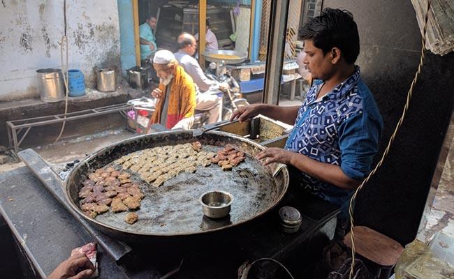 Yogi Adityanath's Slaughterhouse Ban Hits Lucknow's Iconic 'Tunday Kababi'